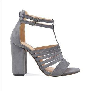 ⭐️ Gray Gladiator Sandal - Women